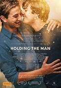 V mužském objetí